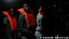 07.07.2019 *** Migrants from the German rescue ship Alan Kurdi arrive on an Armed Forces of Malta vessel at its base in Marsamxett Harbour, Valletta, Malta July 7, 2019. REUTERS/Darrin Zammit Lupi