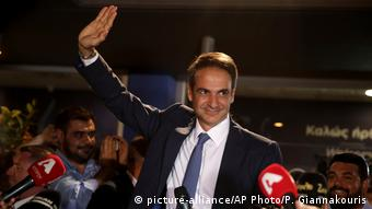 Griechenland Kyriakos Mitsotakis in Athen (picture-alliance/AP Photo/P. Giannakouris)