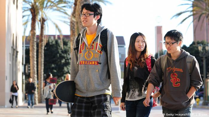 USA CHinesische Studenten in Los Angeles (Getty Images/AFP/F. J. Brown)