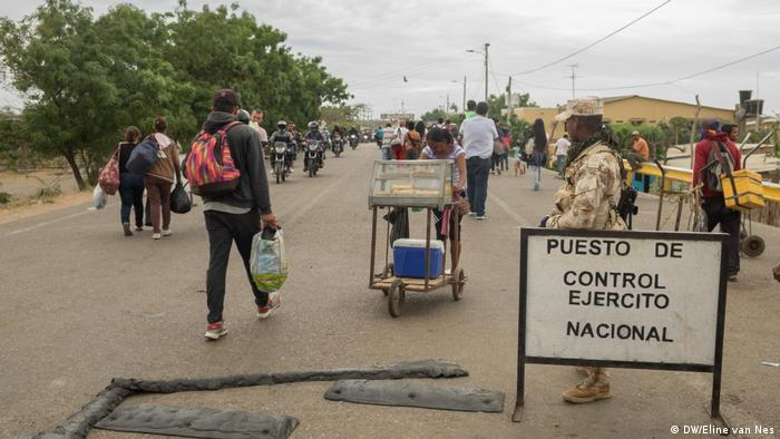A border crossing between Venezuela and Colombia