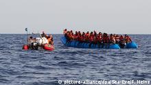 "Seenotrettung im Mittelmeer - ""Alan Kurdi"" (picture-alliance/dpa/Sea-Eye/F. Heinz)"