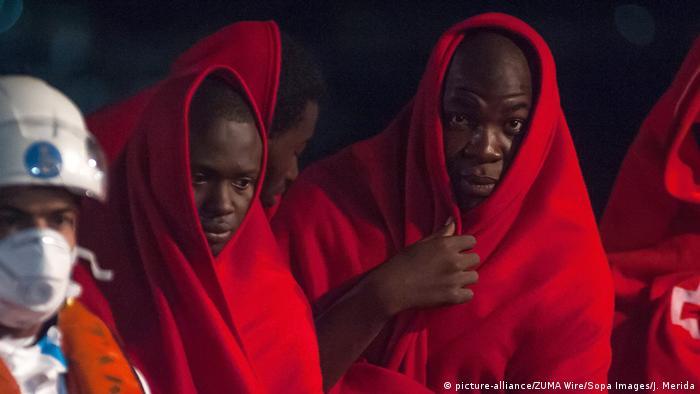 Migranten Ende Juni im Hafen von Malaga