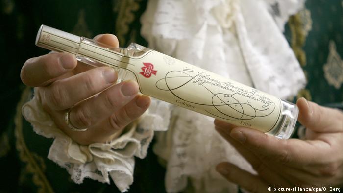 В таких флаконах продавался о-де-колонь во времена Наполеона