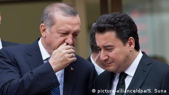 O Aλί Μπαμπατσάν τον περασμένο Μάιο στο πλευρό του Ερντογάν