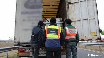 Έρευνες και συλλήψεις σε 33 χώρες υπό την αιγίδα της Europol