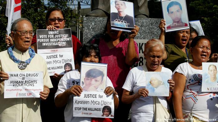 Demonstrasi keluarga korban