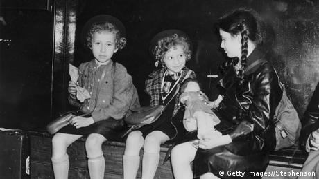Three Jewish transport children make their way from Nazi Germany to London. (Getty Images//Stephenson)