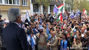 مصطفی هجری، دبیر اول حزب دمکرات کردستان ایران، در تظاهرات بروکسل: کردها قربانی تروریسم هستند