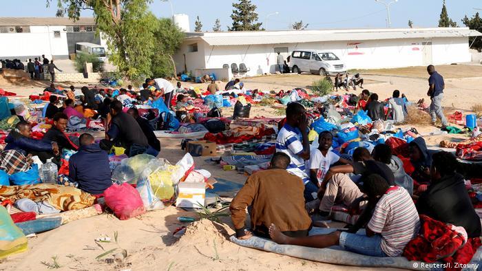 Libyen Luftangriff Tajoura Detention Center bei Tripolis (Reuters/I. Zitouny)