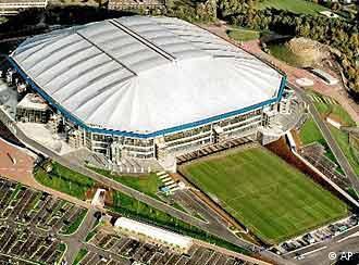 Estádio: gramado rolante