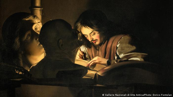 Painting of a young man reading a book (Gallerie Nazionali di Arte Antica/Photo: Enrico Fontolan)