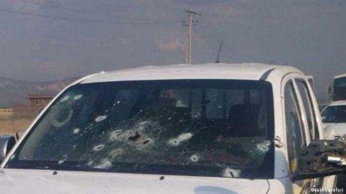 خودرو حامل اعضای سپاه که روز سه شنبه مورد حمله مسلحانه قرار گرفت