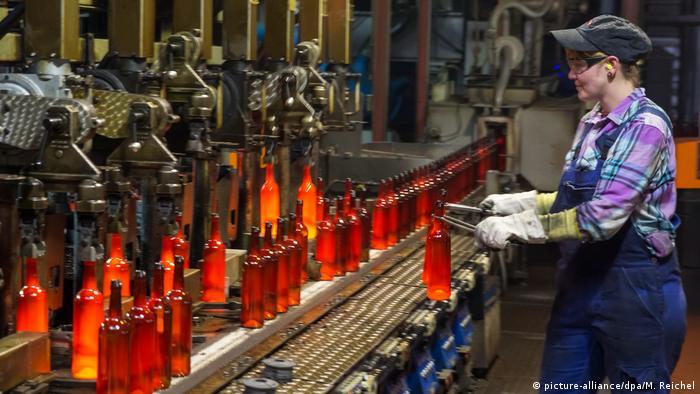 Стъкларското предприятие Виганд е създадено през 1570 г. Основната му дейност е съсредоточена върху производството на стъклени изделия, но през 1997 г. предприятието решава да започне и производството на пластмасови бутилки. С 1800 служители и годишен оборот от 486 милиона евро, днес Виганд е една от трите най-големи компании за производство на стъклен амбалаж в Германия.