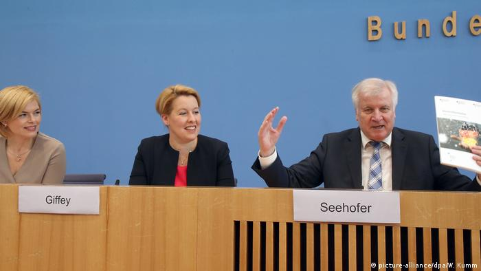 Horst Seehofer at a press conference unveiling Germany's regional reform plan