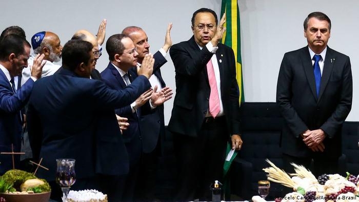 Bolsonaro nimmt an Gottesdienst teil