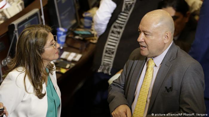 Kolumbien Sandra Ramirez und Carlos Lozada (picture-alliance/AP Photo/F. Vergara)