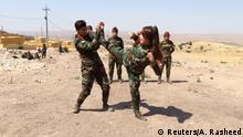 Irak Erbil | Iranische Kurdinnen trainieren mit kurdischen Peschmerga Kämpferinnen