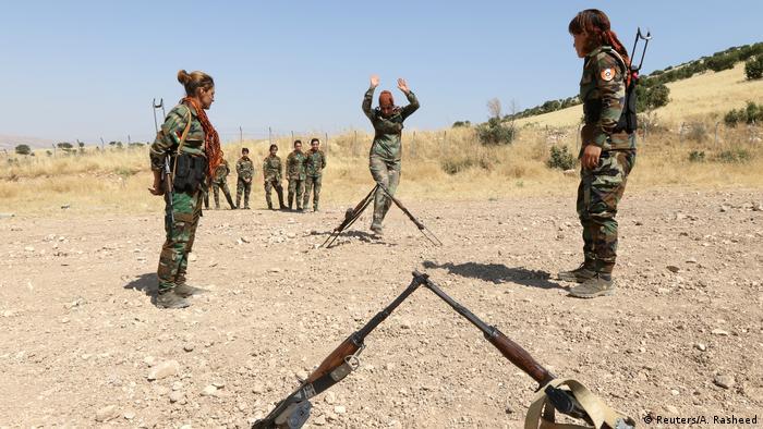 حزب آزادی کردستان ایران (پآک) پیشتر اعلام کرده بود مبارزه آنها علیه حکومت ایران ادامه خواهد داشت و مبارزه علیه داعش هرگز جایگزین مبارزه آنها علیه جمهوری اسلامی نخواهد شد.