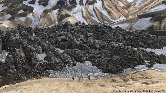 Rhyolith-Berge bei Landmannalaugar, Island (picture-alliance/imageBROKER/M. Peuckert)