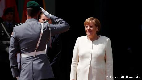 Angela Merkel empfängt Mette Frederiksen (Reuters/H. Hanschke)