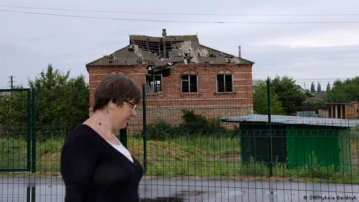 Разрушенный дом в Станице Луганской