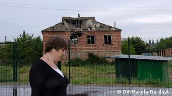 Разрушенный дом в Станице Луганской (фото из архива)