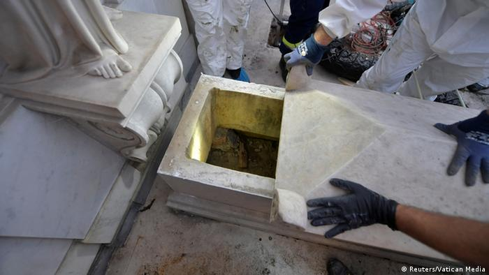 Tomb being opened in Teutonic cemetery (Reuters/Vatican Media)