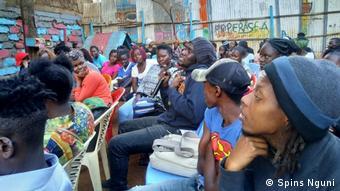 Kenia Aufklärungsarbeit der Organisation Triggerise |