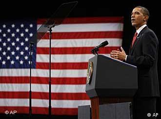 باراک اوباما هنگام نطق درباره استراتژی جدیدش در افغانستان