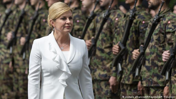 Schweiz Besuch der kroatischen Präsidentin Kolinda Grabar-Kitarovic in Bern (picture-alliance/AP/Keystone/P. Klauzner)