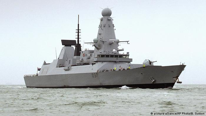 Britisches Kriegsschiff HMS Duncan (picture-alliance/AP Photo/B. Sutton)