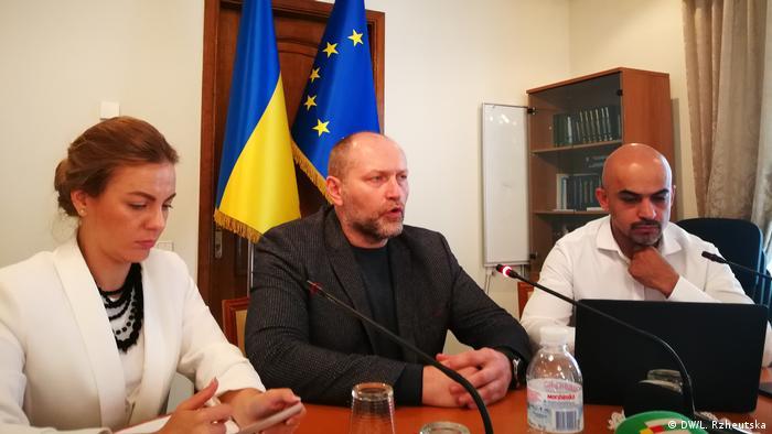 Народні депутати Олена Сотник, Борислав Береза та Мустафа Найєм