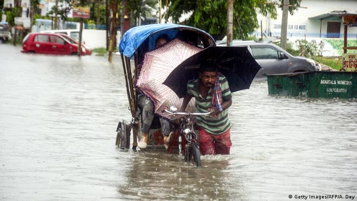 Indien Monsun in Agartala (Getty Images/AFP/A. Dey)