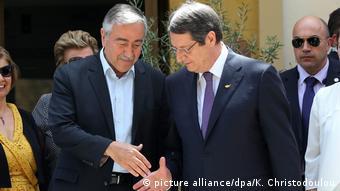 Μουσταφά Ακιντζί και Νίκος Αναστασιάδης θα δώσουν ξανά τα χέρια – τουλάχιστον