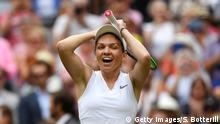 13.072019 +++ LONDON, ENGLAND - JULY 13: Simona Halep of Romania celebrates championship point in her Ladies' Singles final against Serena Williams of The United States during Day twelve of The Championships - Wimbledon 2019 at All England Lawn Tennis and Croquet Club on July 13, 2019 in London, England. (Photo by Shaun Botterill/Getty Images)