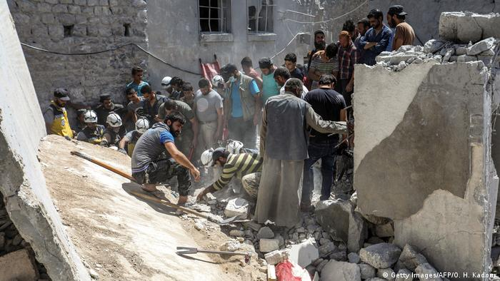 Syrien Luftangriffe in Idlib (Getty Images/AFP/O. H. Kadour)