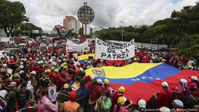 Venezuela, Caracas: Demonstrationen gegen Bericht der UN (picture-alliance/dpa/P. Ramses Mattey)