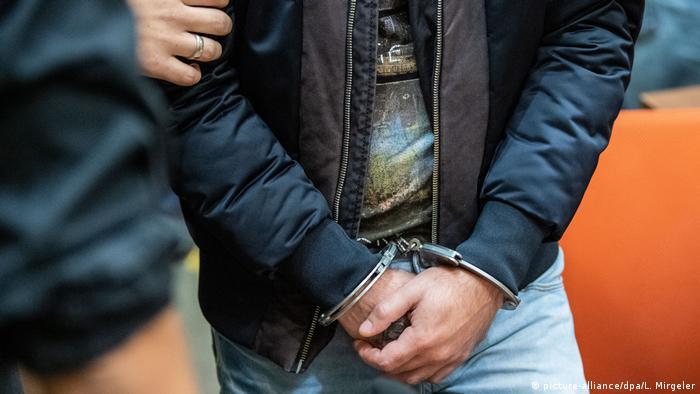 Symbolbild: Festnahme