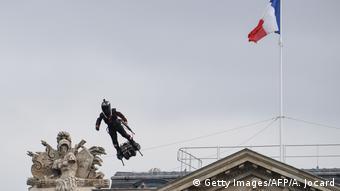 O ...ιπτάμενος Φρανκ Ζαπάτα