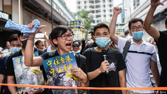Hong Kong | Proteste in Sha Tin (Getty Images/AFP/P. Fong)