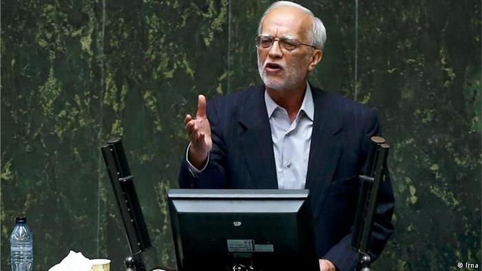 عبدالرضا هاشمزایی، مسنترین نماینده مجلس ایران با تأکید بر عبور برخی مشکلات کشور از آستانه بحران، خواستار بازنگری قانون اساسی شد