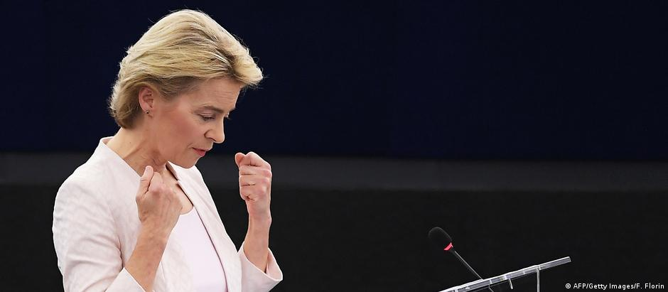 Ursula von der Leyen delivers a speech during her statement for her candidacy for President of the Commission (AFP/Getty Images/F. Florin)