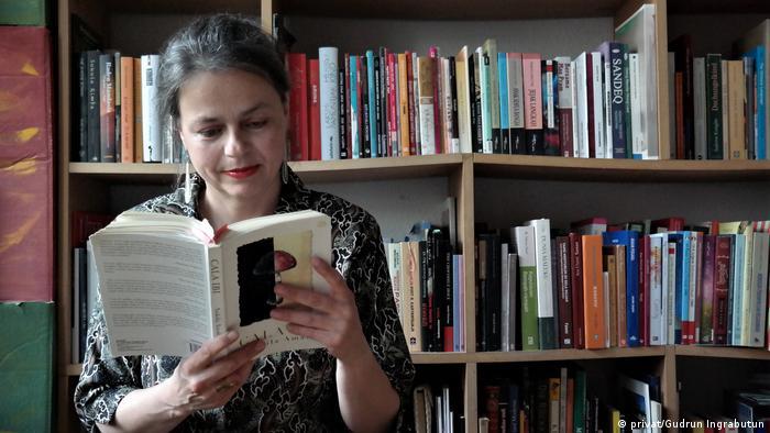 Die Autorin Gudrun Ingrabutun