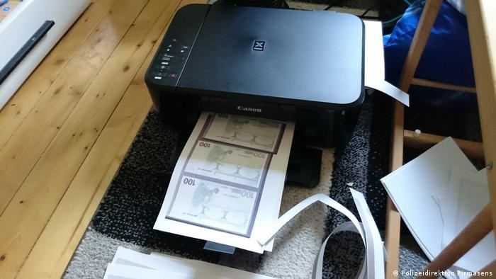 Напечатанные на принтере купюры в 100 евро
