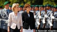 Annegret Kramp-Karrenbauer und Ursula von der Leyen Vereidigung