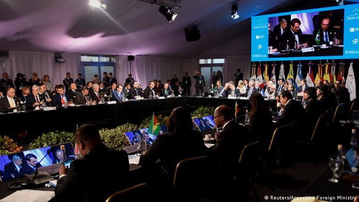 Mercosur quiere aprobar en esta cumbre una serie de resoluciones para modernizar su estructura y dinamizar su funcionamiento. (Reuters/Argentine Foreign Ministry)