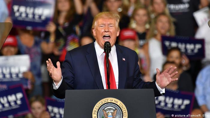 O presidente Donald Trump durante evento de campanha no estado da Carolina do Norte