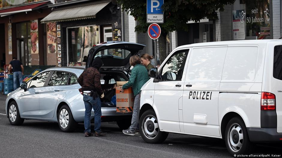 German Police Raid Suspected Islamists′ Homes | News | Dw | 18.07.2019 Holidays and events <b>Holidays and events.</b> German police raid suspected Islamists′ homes | News | DW | 18.07.2019.</p>