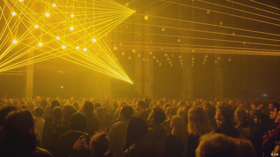 """""""DEEP WEB"""" – A sculpture of music and light"""