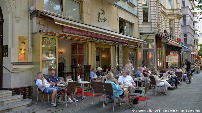 Exterior of Cafe Berio in Schoeneberg Berlin, Germany (picture-alliance/Bildagentur-online/Schoening)
